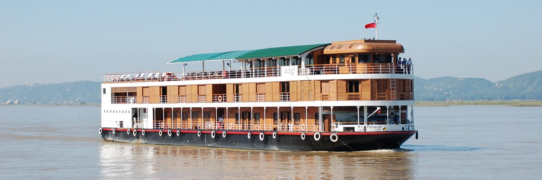 Die RV Paukan auf einer Kreuzfahrt in Myanmar