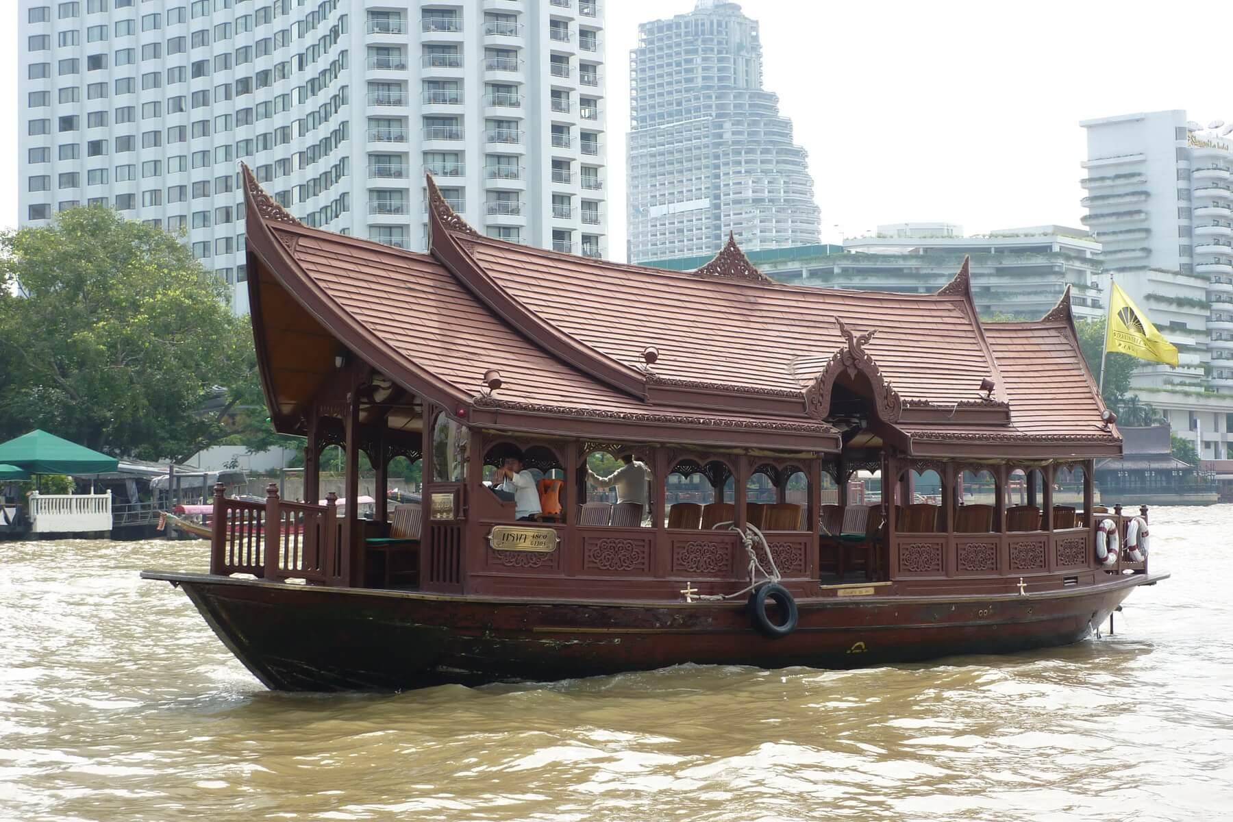 Absolutes Pflichtprogramm bei einem Bangkok Trip: eine Fahrt auf dem Chao Phraya