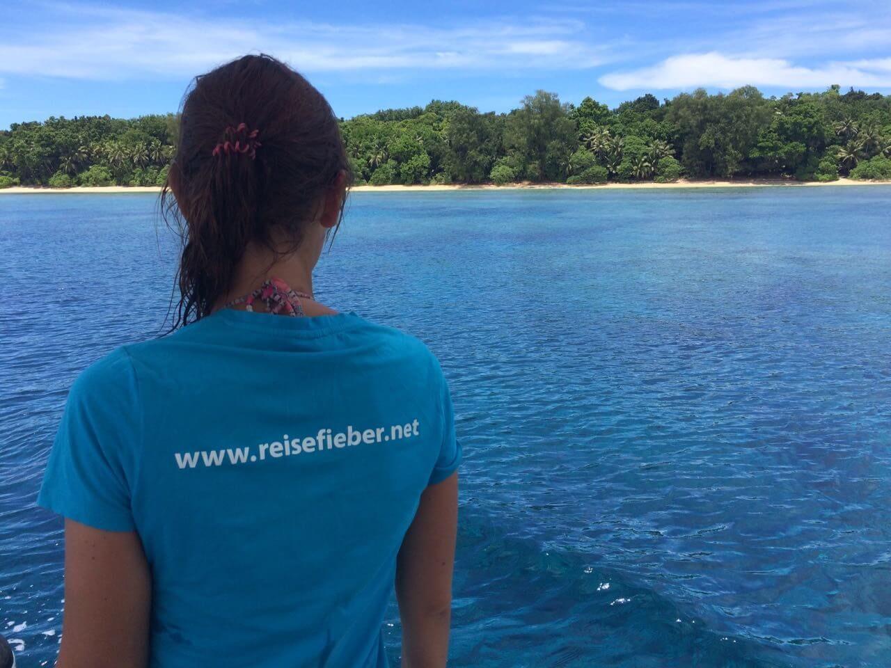 Blick auf den Strand von Palau vom Boot aus.