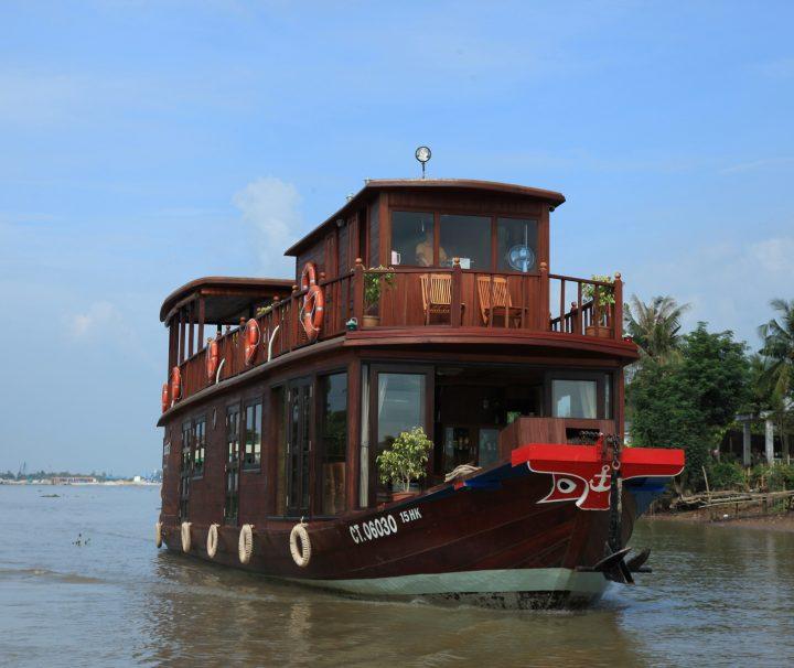 Eine Mekong Delta Tour mit dem exklusiven Schiff Dragon Eyes unternehmen und dann nach Phnom Penh weiterreisen