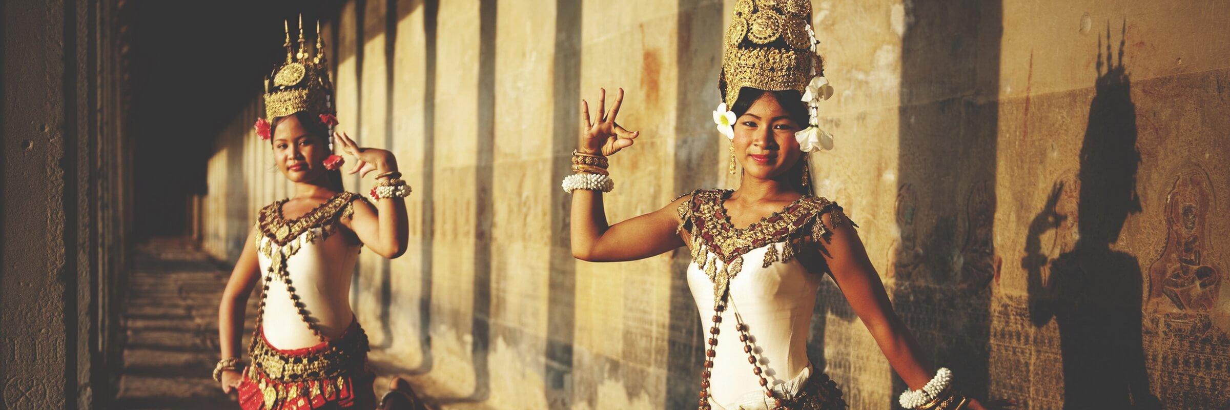 Die Tradition des höfischen Tanzes in Kambodscha wird oft auch Apsara-Tanz genannt und geht auf den Königshof in Angkor zurück.
