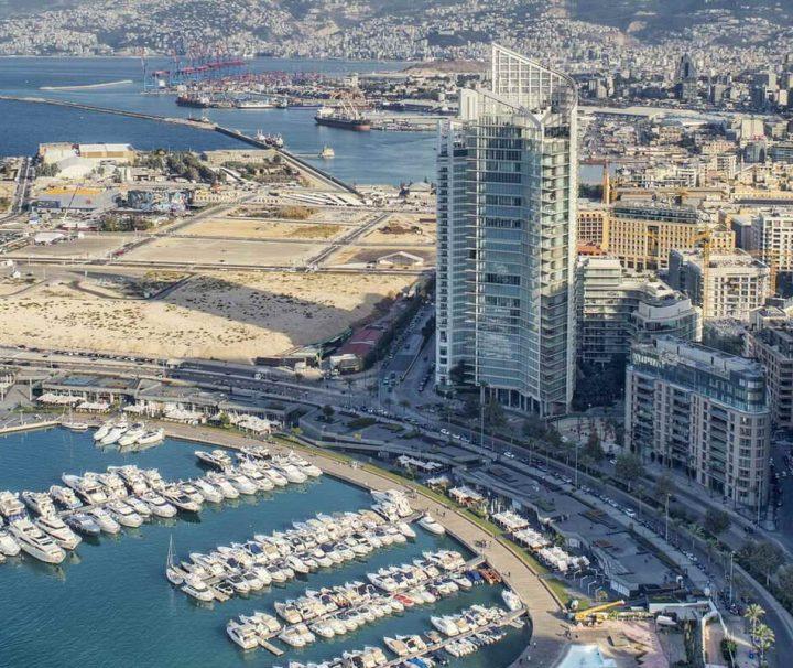 Beirut, die Hauptstadt des Libanon, ist an der Levanteküste am östlichen Mittelmeer gelegen.