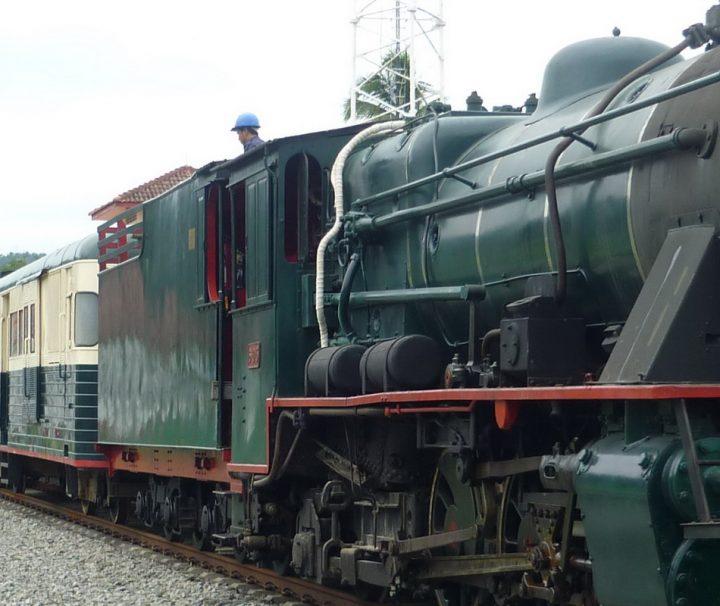 Historische Dampflokomotiven werden in Sabah auf Borneo für Vergnügungsfahrten genutzt und locken Eisenbahnbegeisterte aus aller Welt an.