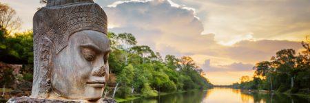 In Angkor Thom finden sich zahlreiche Darstellungen und Skulpturen von Göttern und Dämonen.