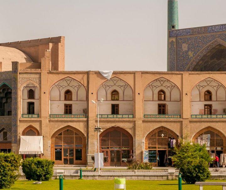 Die zwischen den Jahren 1630 und 1638 fertiggestellte Imam-Moschee in Isfahan wird als Meisterwerk islamischer Baukunst angesehen.