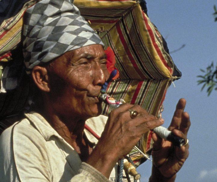 Als Suling bezeichnet man aus Bambus gefertigte Flöten, die in Malaysia, Indonesien und auf den Philippinen sehr gebräuchlich sind.