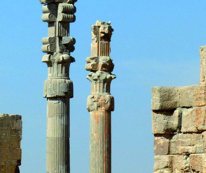 Persepolis war eine altpersische Residenzstadt und eine der Hauptstädte des antiken Perserreichs.
