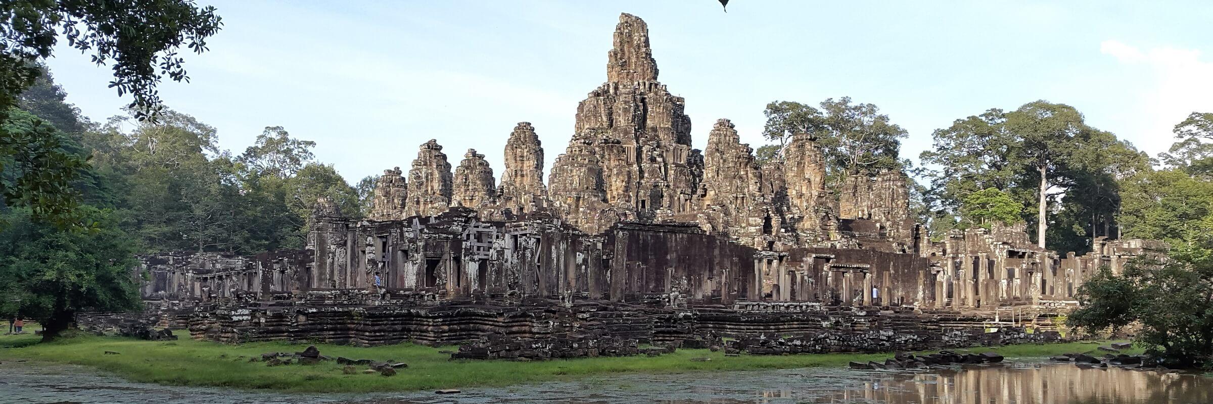 Bayon ist neben Angkor Wat und Ta Phrom die bekannteste und eindrucksvollste Tempelanlage in Angkor.