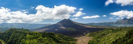 Der Batur ist ein aktiver Schichtvulkan auf der indonesischen Insel Bali.