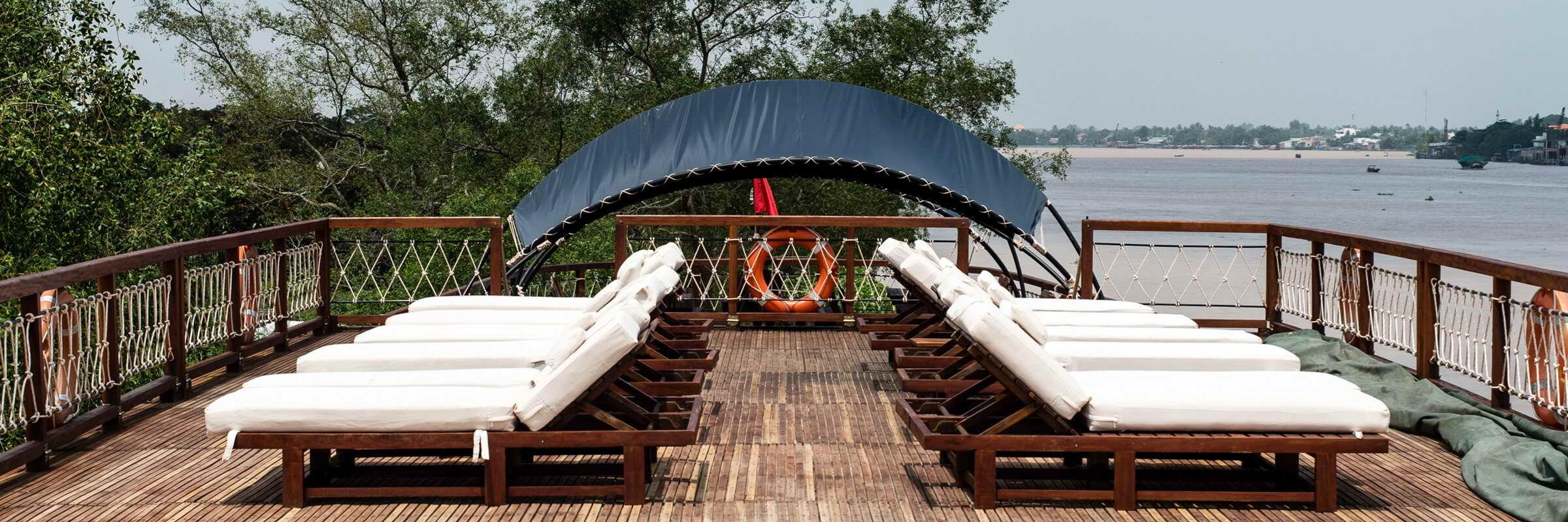Das Sonnendeck der Mekong Eyes Cruise lädt zum Entspannen ein.