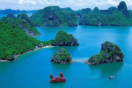 Die beeindruckende Halong Bucht wurde 1994 von der UNESCO zum Weltnaturerbe erklärt.