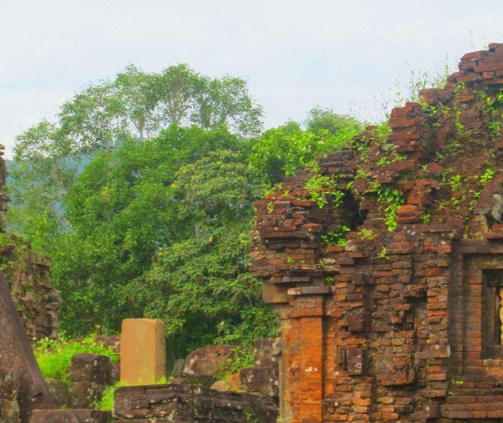 Im einstiegen Tempeltal der Cham liegen die Myson Ruinen