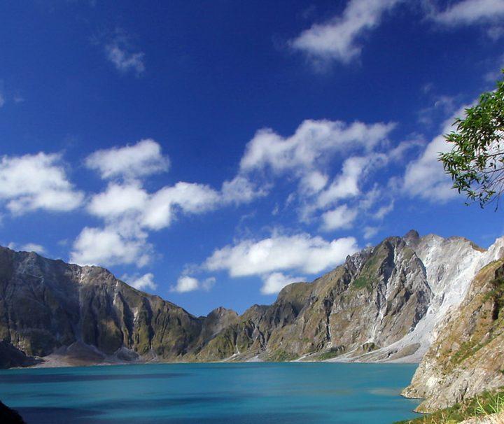 Der Pinatubo ist ein aktiver Vulkan auf der philippinischen Insel Luzon, 93 km nordwestlich von Manila.