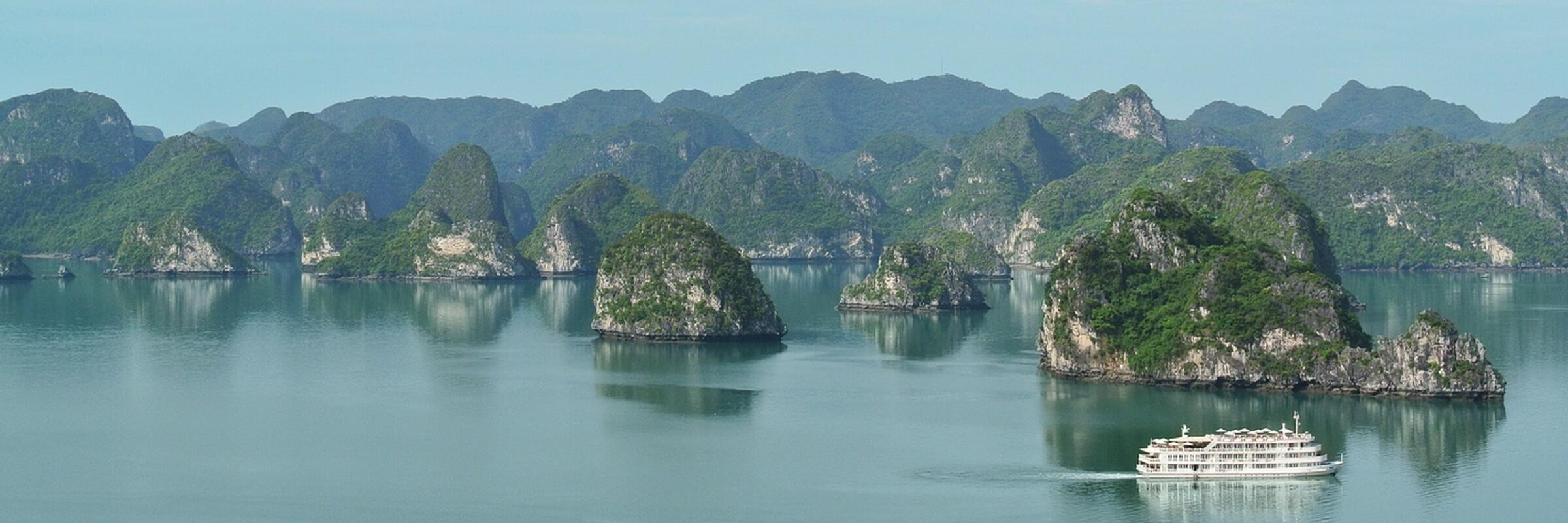 Luxus Kreuzfahrt mit der Au Co durch den Golf von Tonkin mit den Buchten Halong, Bai Tu und Lan Ha sowie der Insel Cat Ba
