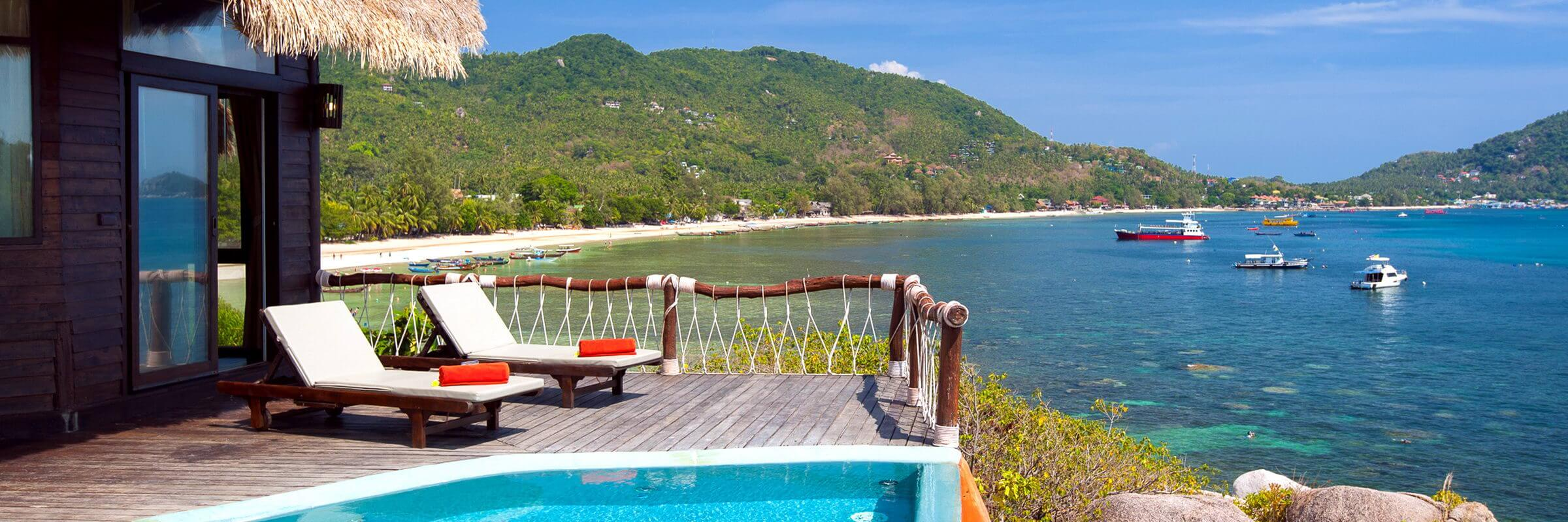 Pool und Terrasse der Villen im Koh Tao Cabana Boutique Resort mit einmaligem Ausblick