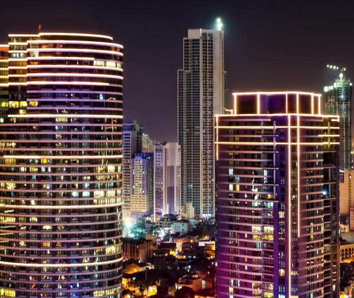 Die Metropole Makati in der Hauptstadtregion Metro Manila ist das Wirtschafts- und Finanzzentrum der Philippinen.