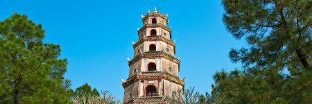 Die Thien Mu Pagode ist ein buddhistisches Kloster in der Nähe von Hue, am nördlichen Ufer des Parfümflusses.