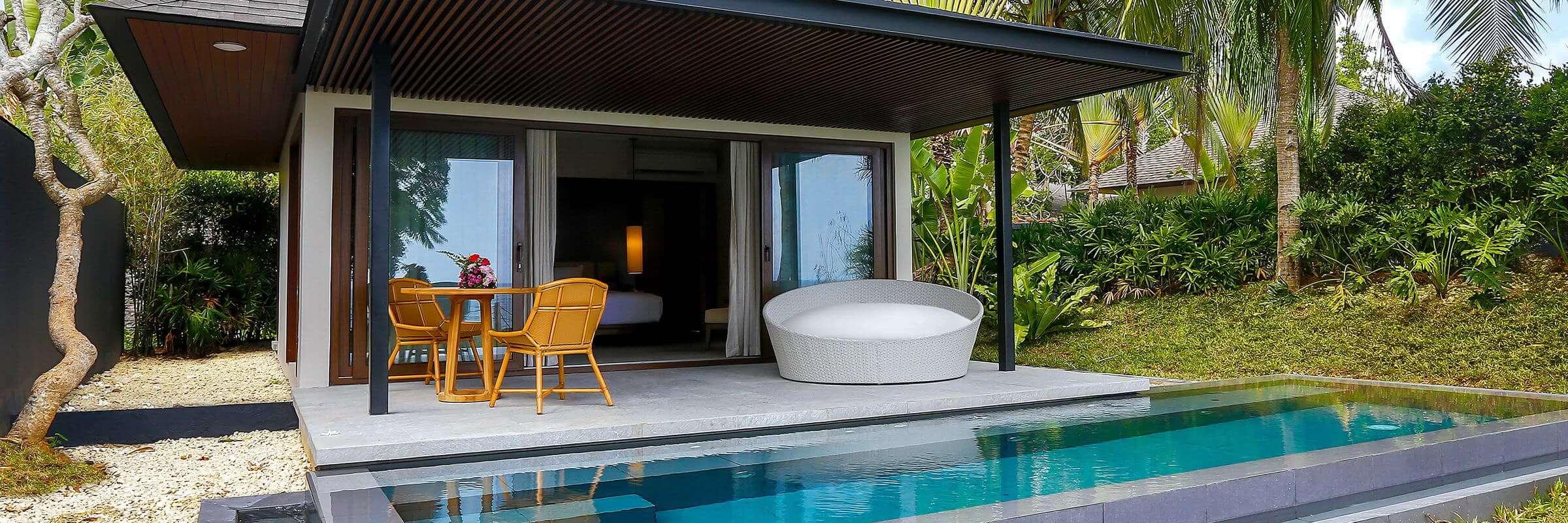 Die Aussenansicht der luxuriösen Villen im Amorita Resort Bohol mit eigenem Whirlpool