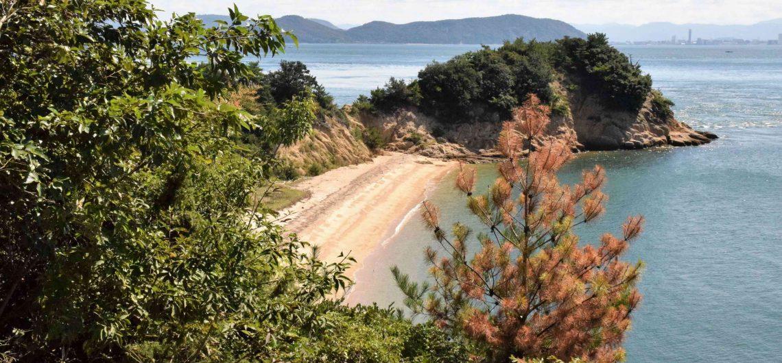 Strand auf der Kunstinsel Naoshima