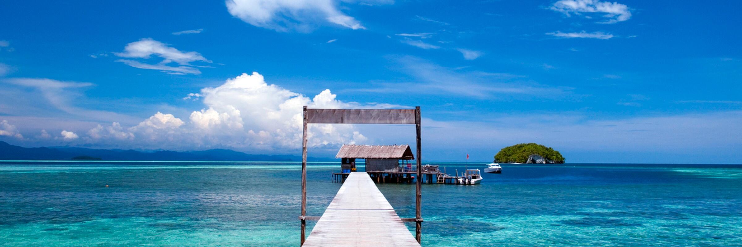 Der Bootssteg des Sorido Bay Resort mit traumhafter Aussicht