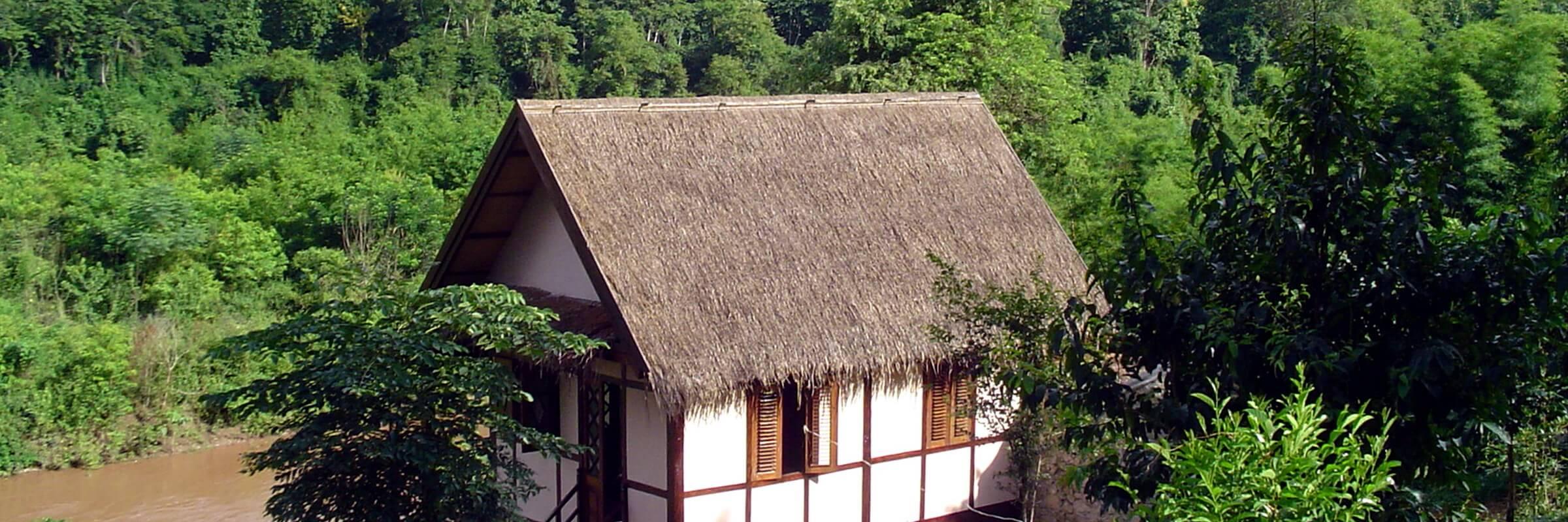 Die Aussenansicht der Bungalows im Lao Spirit Resort