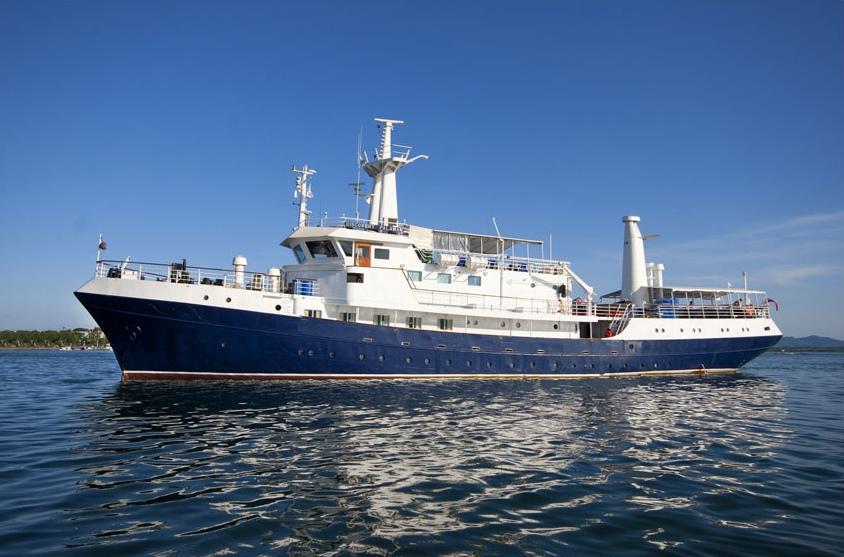 """Die 1972 gebaute """"Discovery Palawan"""" befährt seit 2006 die philippischen Gewässer und wurde 2013 noch einmal umfassend renoviert."""