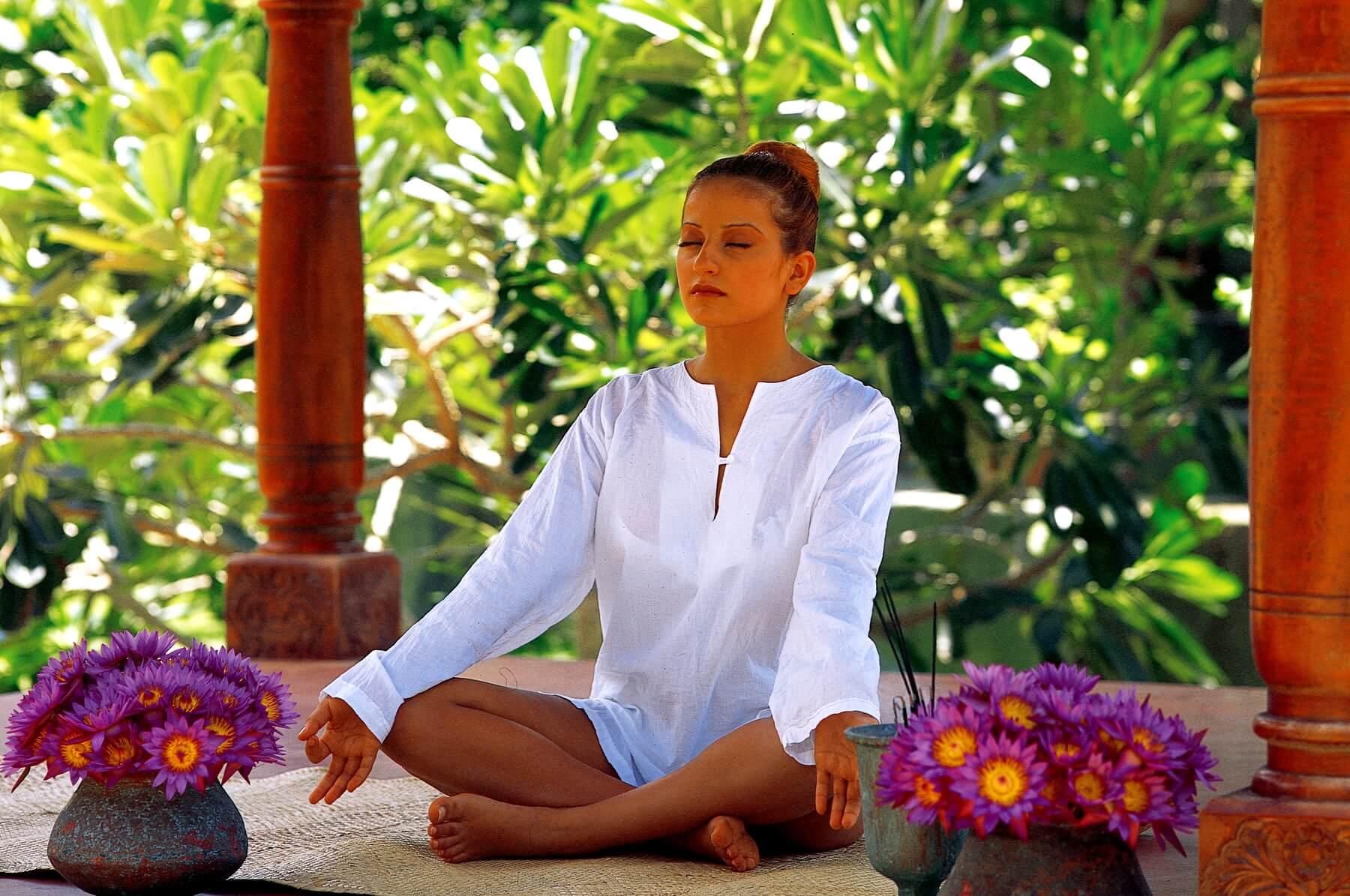 Yoga und viel Ruhe und Entspannung gehören im Siddhalepa Ayurveda Health Resort Sri Lanka zum Programm