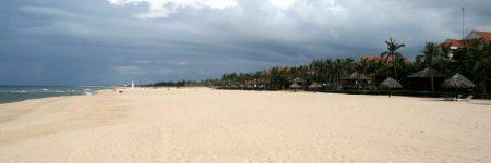 Vietnams Strände sind abwechslungsreich - von kleinen Buchten bis langen Sandstränden