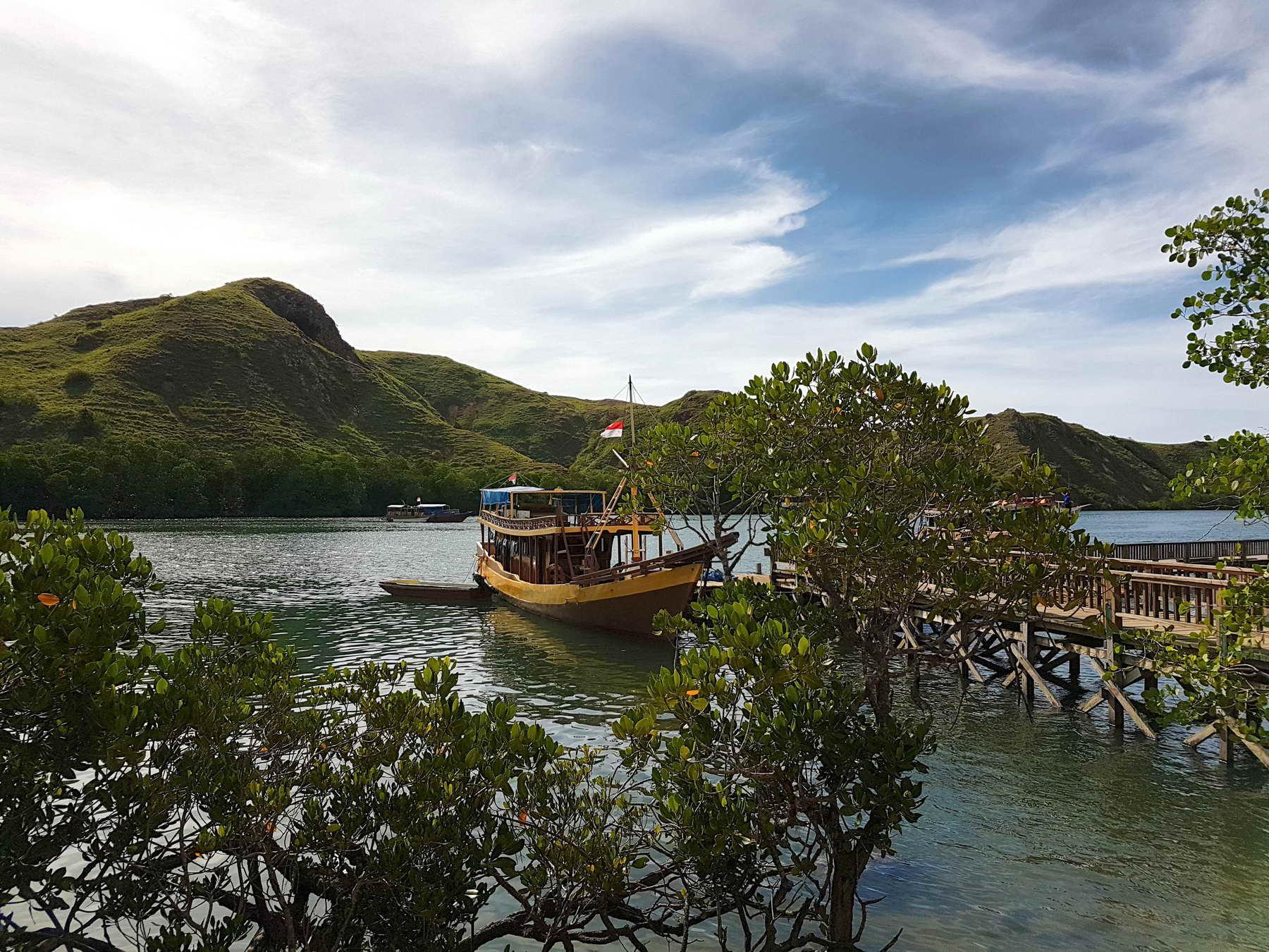 Mit dem Schiff zum Komodo Nationalpark