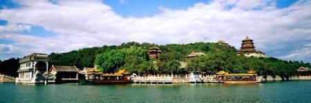 Der Neue Sommerpalast in Peking ist ein Kaiserpalast nur wenige hundert Meter entfernt der Ruinen des Alten Sommerpalastes und seit 1998 UNESCO-Welterbe.