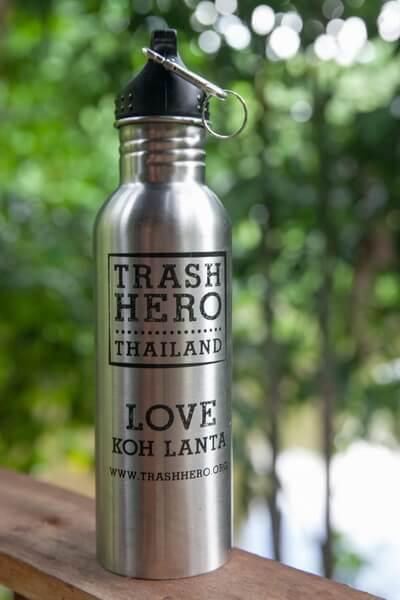 Wasserauffüllen mit der TrashHero Flasche