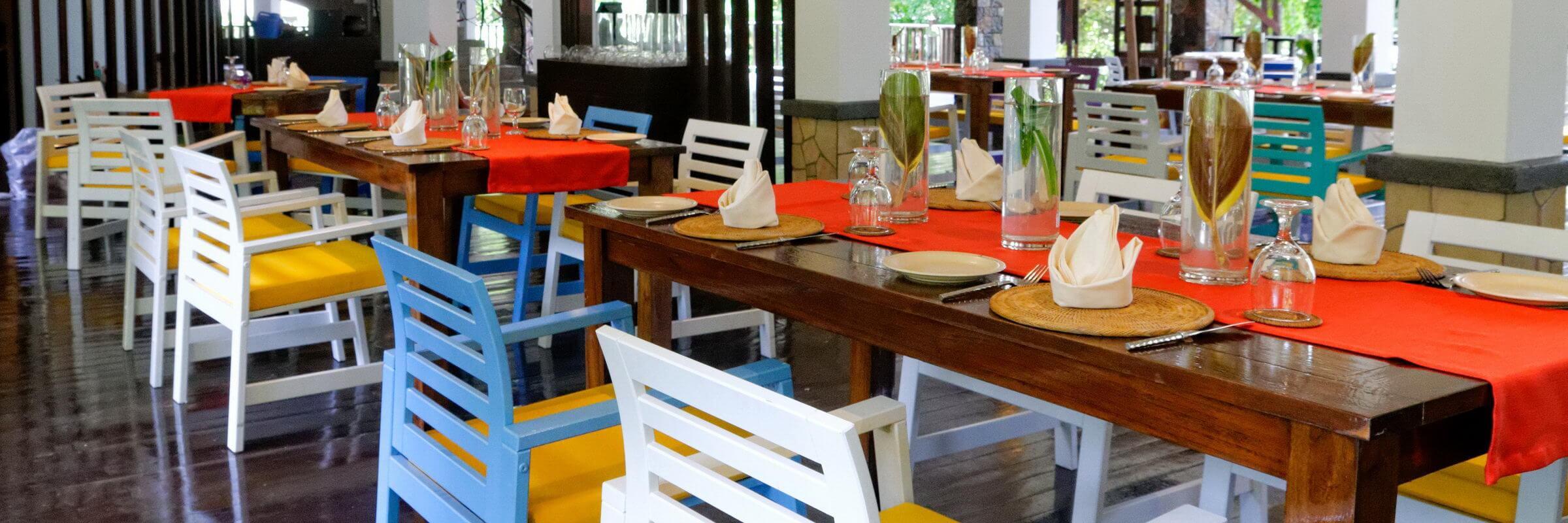 Im  Bunga Raya Island Resort & Spa werden sowohl malaysische als auch westliche Spezialitäten angeboten.