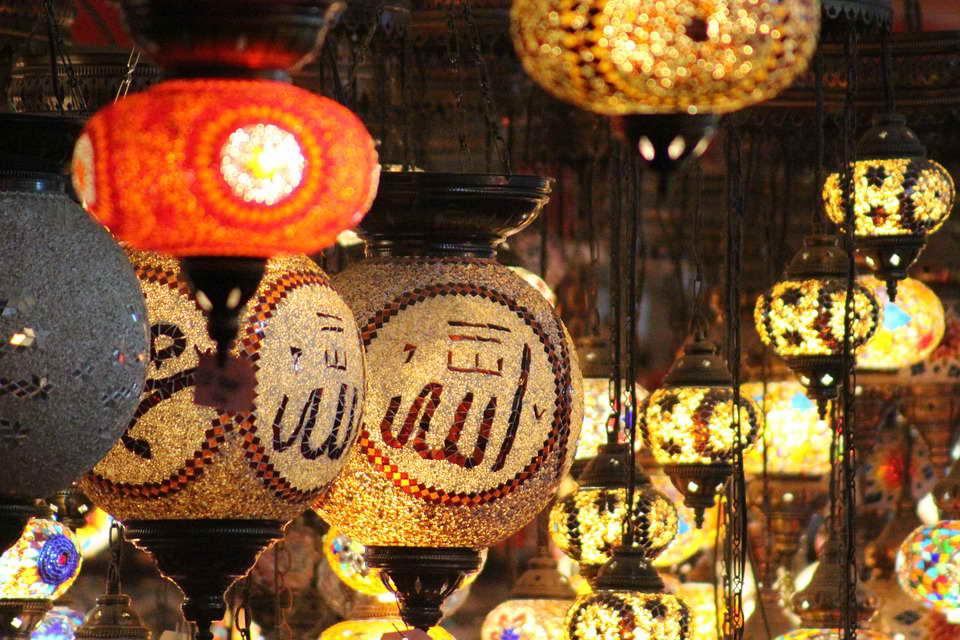 Orientalische Lampen auf den Märkten