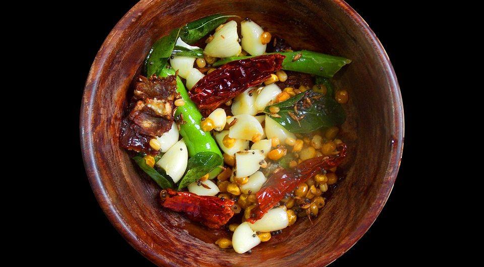 Die große Vielfalt an Gemüse und Früchten im asiatischen Raum erleichtert die vegane Ernährung dort.