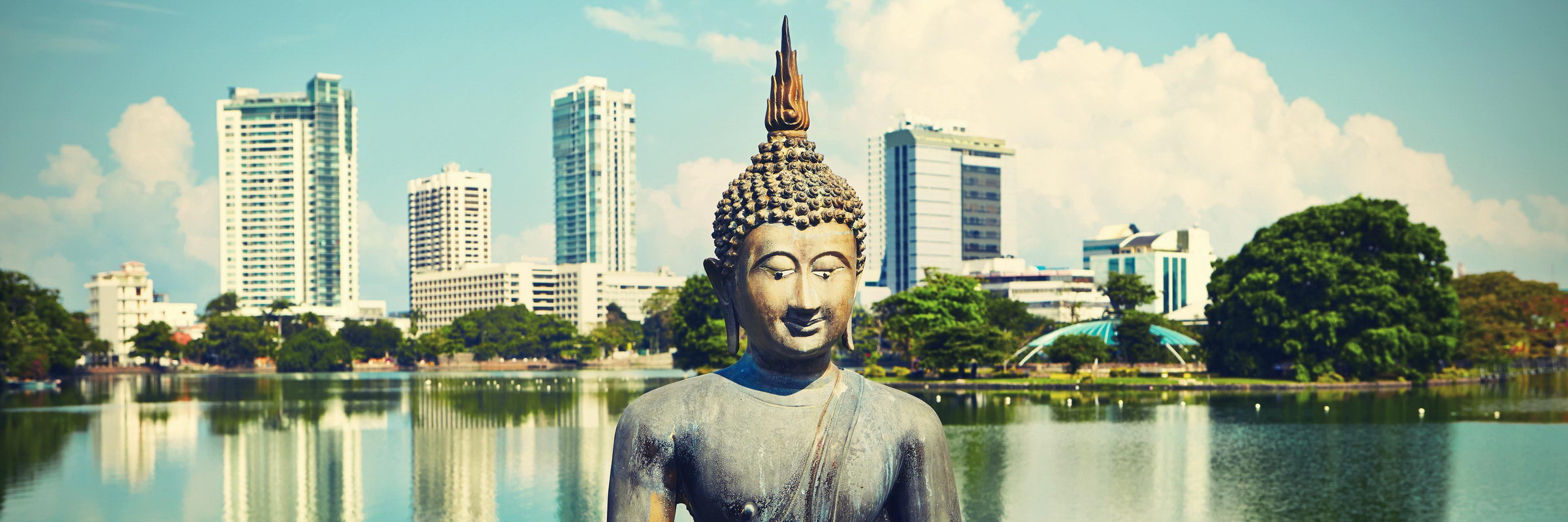 Buddha Statue am Beira Lake in Colombo – Colombo City Tour