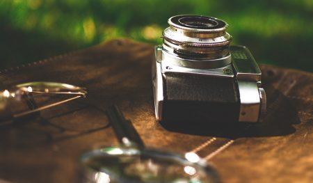 Eine Kamera für Schnappschüsse aus dem Asienurlaub sollte auf keiner Packliste fehlen.