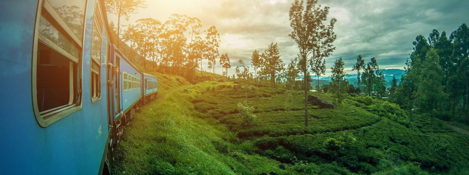 Zugfahrt im Hochland von Sri Lanka