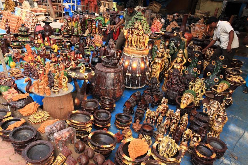 Kunsthandwerk in Indien auf dem Markt.