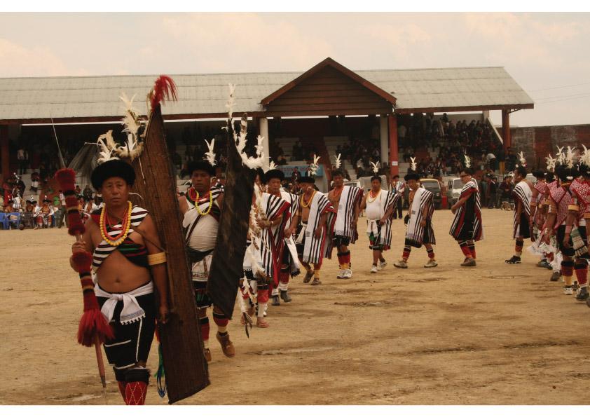 Die Stämme des Nagaland feiern traditionell in der ersten Dezemberwoche das Hornbill Festival in Kohima.