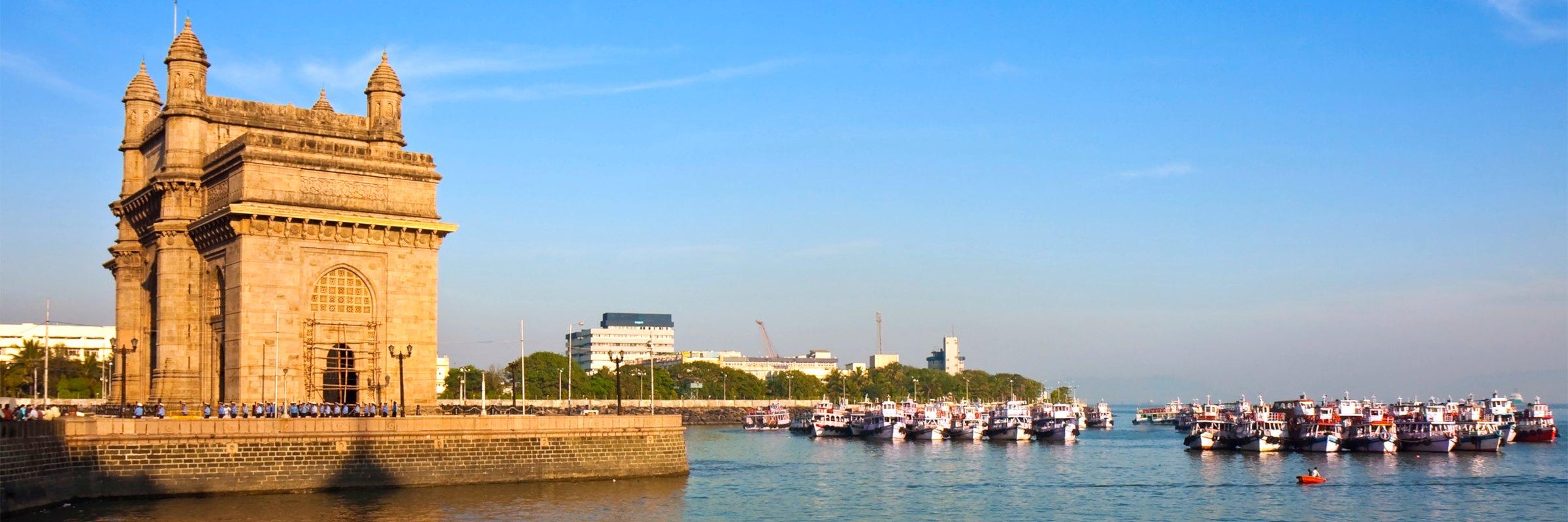 Gateway of India in Mumbai während des Sonnenuntergangs – Bombay Citytour