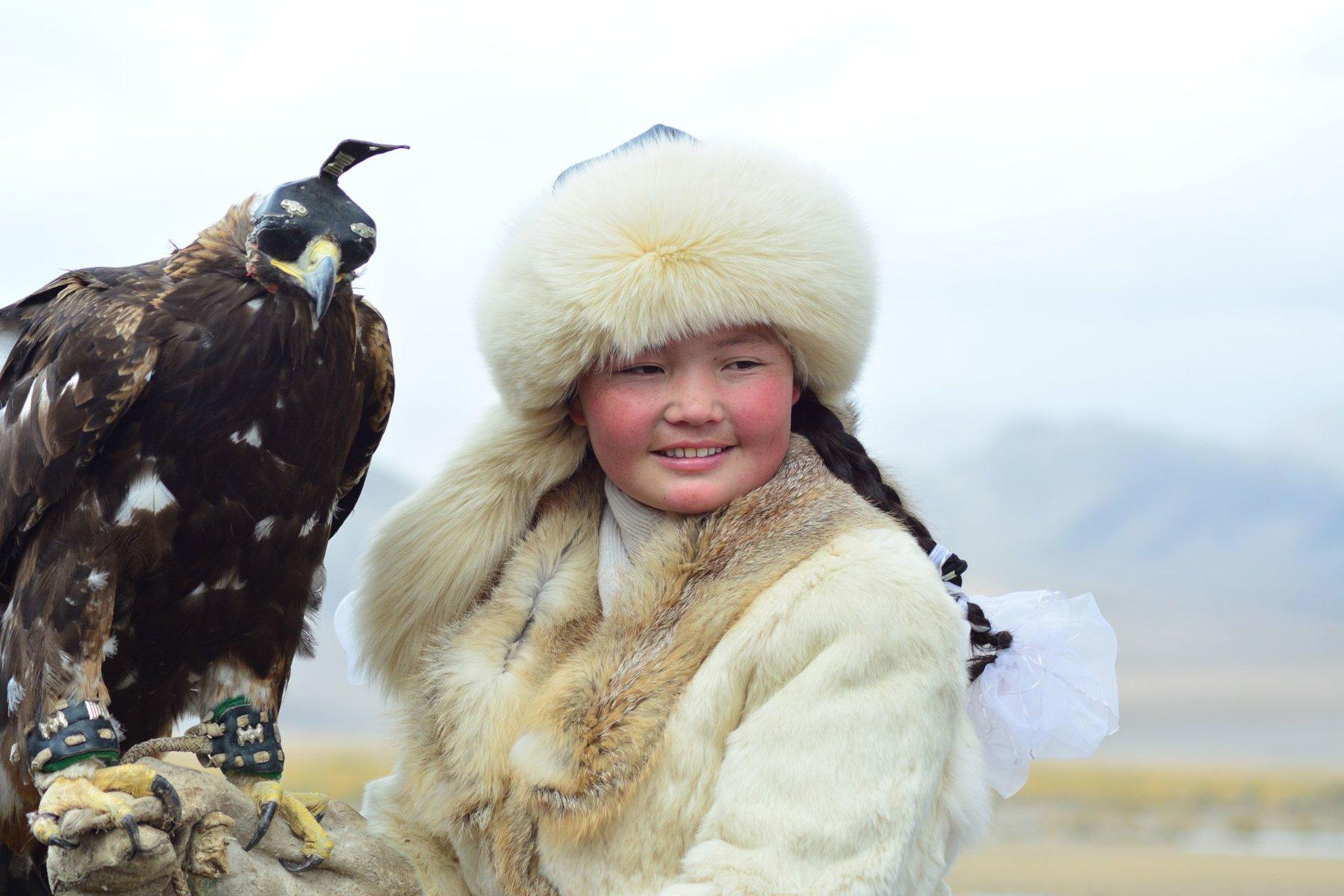 """Bei den Adlerwettkämpfen des """"Golden Eagle Festivals"""" in der Mongolei geht es um Schnelligkeit der Tiere sowie das Befolgen der Befehle."""
