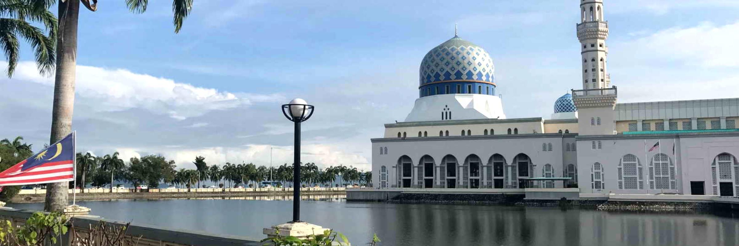 Kuching ist die Hauptstadt des malayischen Bundesstaates Sarawak und die größte Stadt auf Borneo.
