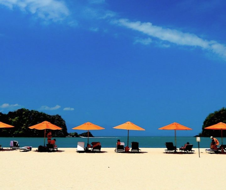Die Inselgruppe Pulau Langkawi in der Andamanensee liegt in direkter Nähe der Grenze von Malaysia und Thailand.