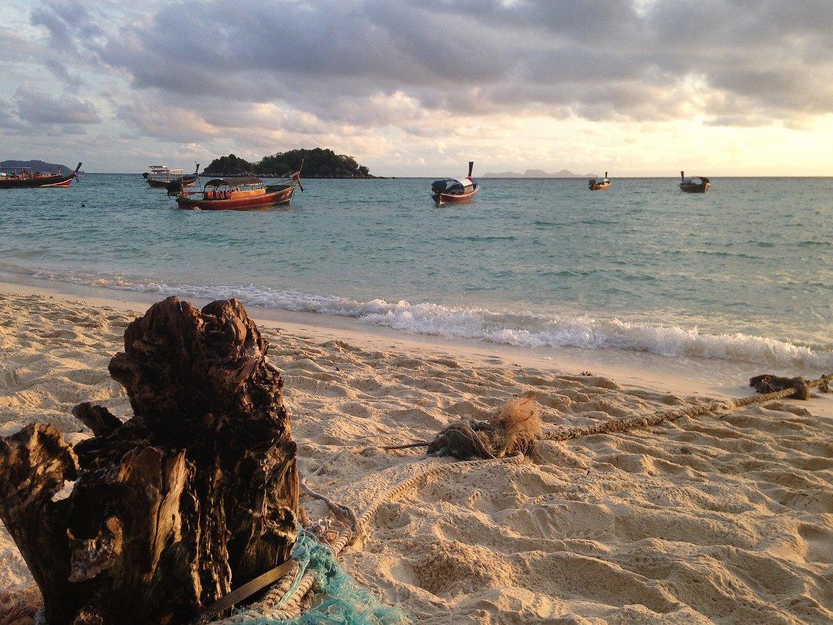 Strand auf der thailändischen Insel Koh Lipe – Von Malaysia nach Thailand