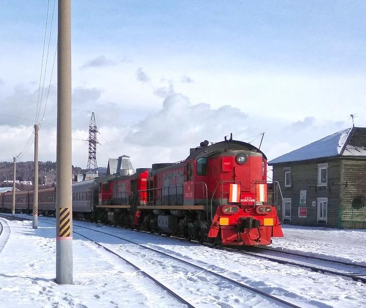 Transsib Winter Silvesterreise – Die Transsibirische Eisenbahn ist die Hauptverkehrsachse des asiatischen Russlands und mit 9.288 km die längste Eisenbahnstrecke der Welt.