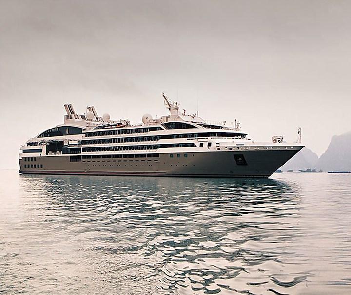 Ihre schlichte innere und äußere Linienführung und ihre kleine Größe (nur 132 Kabinen und Suiten) machen die Le Soléal zu einer auf dem Markt der Kreuzfahrtschiffe einzigartigen, modernen Yacht.